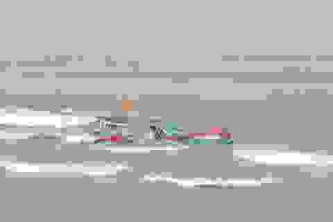 Đã cứu được 11 ngư dân trôi dạt suốt 6 ngày ở Hoàng Sa