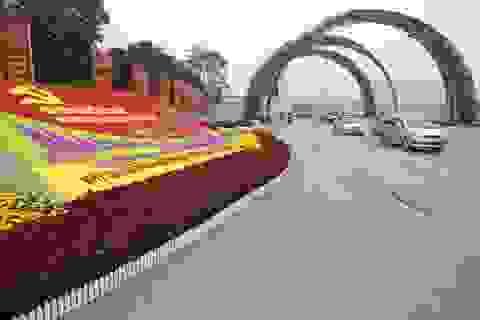 Thủ đô rực rỡ cờ hoa chào mừng Đại hội Đảng XII