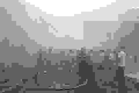 Cháy lớn tại công ty khăn bông, công nhân hoảng loạn tháo chạy