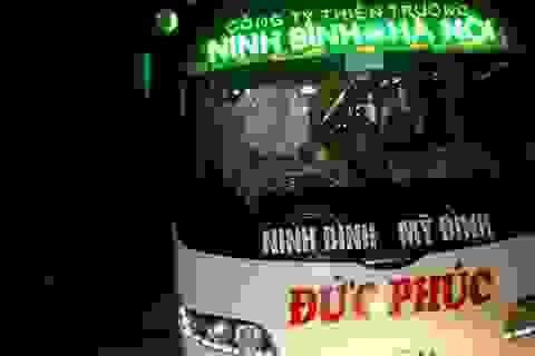 Hàng chục hành khách hoảng loạn vì xe khách bị rượt đuổi ném đá