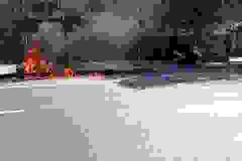 Nghi vấn nam thanh niên châm lửa đốt xe sau khi phạm luật