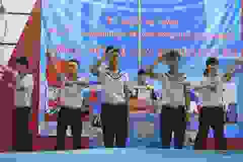 Xúc động lễ chào cờ tưởng nhớ về trận chiến Gạc Ma