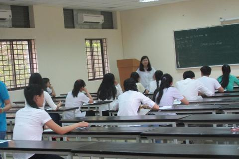 Số thí sinh bị đình chỉ tăng vọt trong buổi thi môn Sử