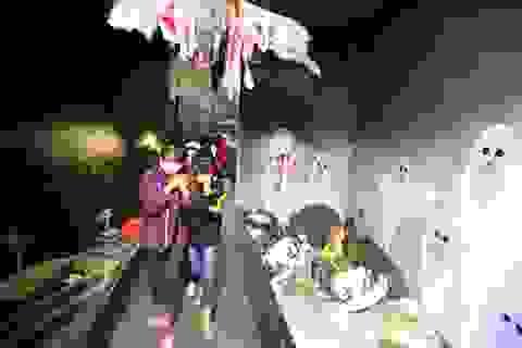 """Dịp Halloween, khám phá """"nhà ma"""" đang hút giới trẻ Hà Nội"""