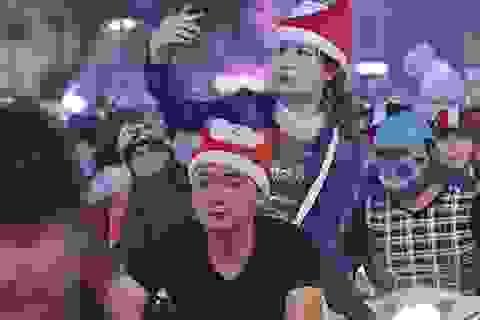Muôn vẻ tình yêu của các cặp đôi trong đêm Giáng sinh