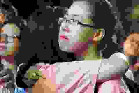Nghẹn ngào giọt nước mắt đêm chia tay của học sinh trường Ams