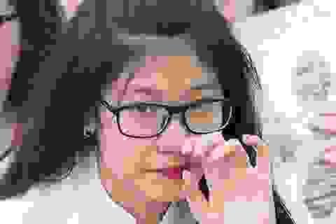 Giọt nước mắt lau vội trong lễ bế giảng THPT Việt Đức