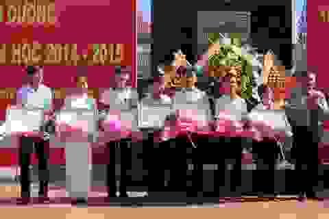 Bình Định: Tuyên dương 371 học sinh giỏi, xuất sắc