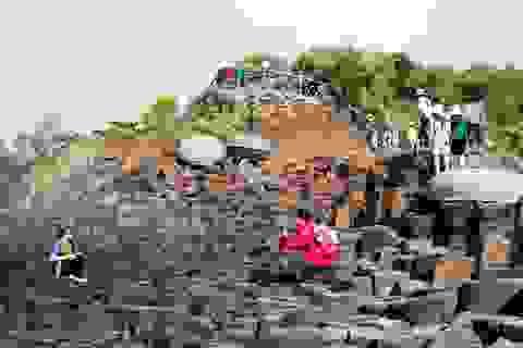 Phú Yên: Gành Đá Đĩa hút khách ngày đầu năm