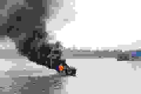 Tìm thấy thi thể ngư dân trong vụ tàu cháy nghi do nổ gas
