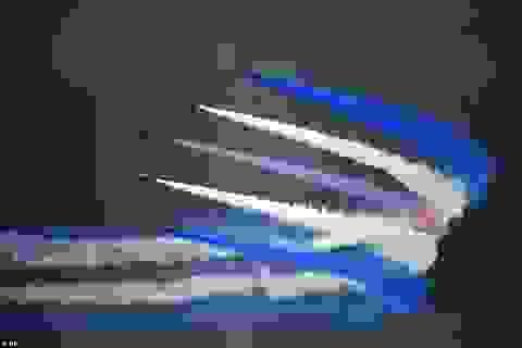 Những màn trình diễn đẹp mắt tại triển lãm hàng không quân sự lớn nhất thế giới