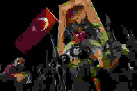 Thổ Nhĩ Kỳ hỗn loạn trong đảo chính