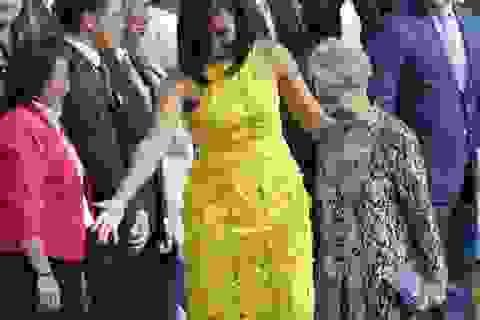 Phu nhân Thủ tướng Singapore dùng chiếc ví chỉ 11 USD trong chuyến thăm Mỹ