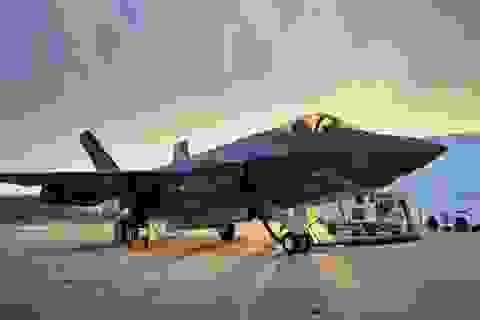 Mỹ điều tra vụ máy bay tàng hình F-35 cháy động cơ