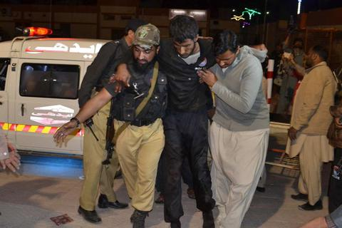 Phiến quân tấn công trường cảnh sát tại Pakistan, 48 người chết
