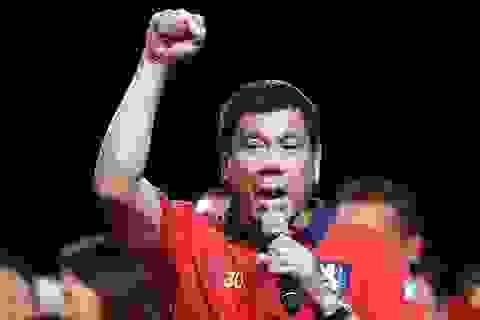 """Tổng thống Philippines hứa không """"cãi cọ"""" với Mỹ sau khi ông Trump đắc cử"""