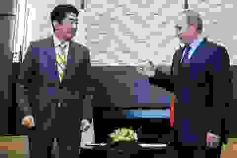 Tổng thống Putin mang quyết tâm giải quyết tranh chấp lãnh thổ tới Nhật Bản
