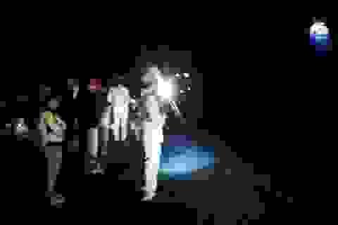 Sang đường quên xi nhan, 2 thanh niên Vân Kiều tử nạn