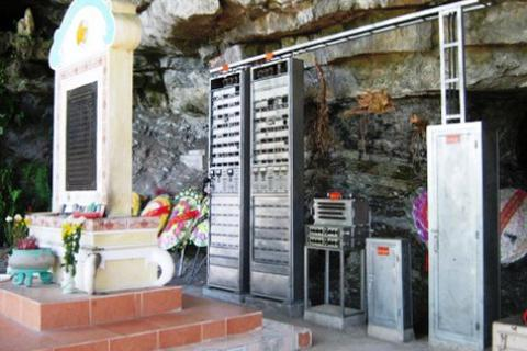 Lễ tưởng niệm, tri ân các cán bộ, chiến sỹ hy sinh tại hang Lèn Hà