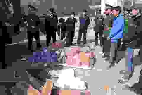 Xử lý hàng trăm vụ buôn bán, vận chuyển ma túy, pháo, vật liệu nổ