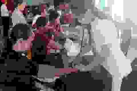 Quảng Bình: Hơn 1.000 người dân vùng biển được khám, cấp phát thuốc miễn phí