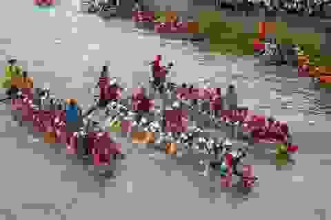 Quảng Bình: Náo nức lễ hội bơi, đua thuyền trên sông Kiến Giang