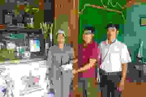 Báo Dân trí tiếp tục hỗ trợ các gia đình có người gặp nạn trong mưa lũ ở miền Trung