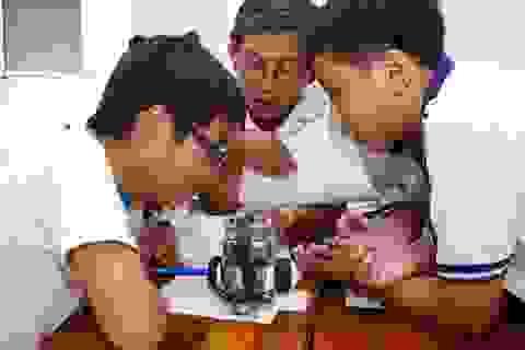 TPHCM: Chọn học sinh thi Robotics quốc tế
