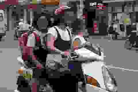 """Bị cảnh sát thổi phạt, phụ huynh học sinh lại… """"làm trò"""""""