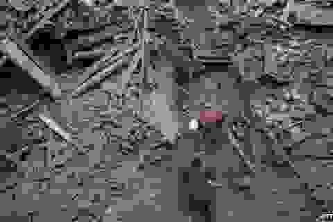 Đoàn sứ quán Việt Nam bay từ Ấn Độ đến Nepal để bảo hộ công dân