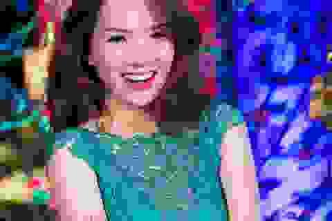 Đan Lê xinh đẹp dẫn chương trình