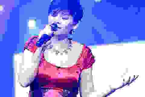 Ngọc Anh 3A hát đầy ám ảnh trong đêm nhạc Phú Quang