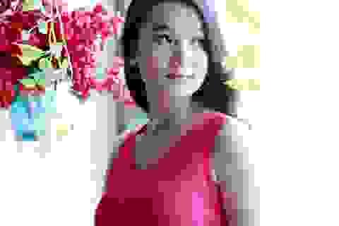 Diễn viên Lương Giang phơi nắng 44 độ diễn thời trang
