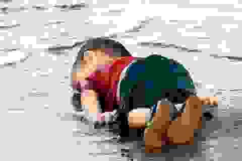 """Tác giả ảnh """"em bé Syria"""" hóa đá trước """"tiếng thét câm lặng"""" của cậu bé"""