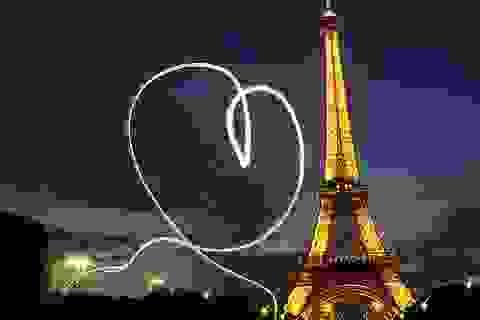 Nghệ sĩ quốc tế cùng cầu nguyện vì Paris