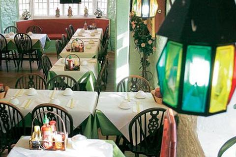 Chuyện về nhà hàng ẩm thực Việt xuất hiện trên nhiều tờ báo Anh