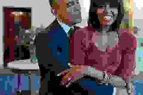 Phát sốt với màn đọc thơ tình tặng vợ của Tổng thống Mỹ