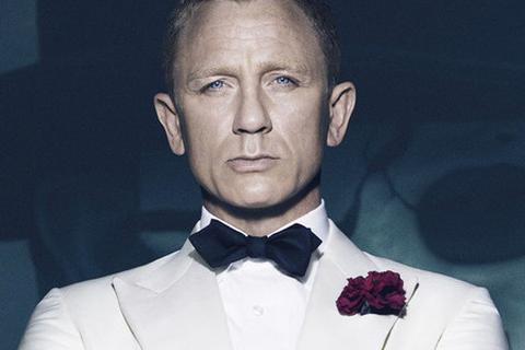 Không muốn thất vọng về James Bond, đừng xem những hình ảnh này!