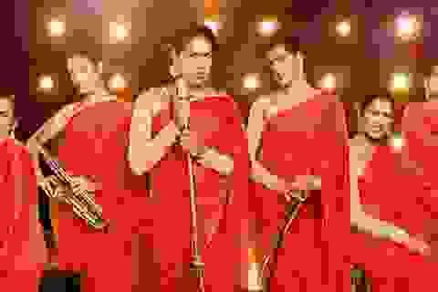 """Ấn Độ """"phát sốt"""" với ban nhạc chuyển giới đầu tiên"""
