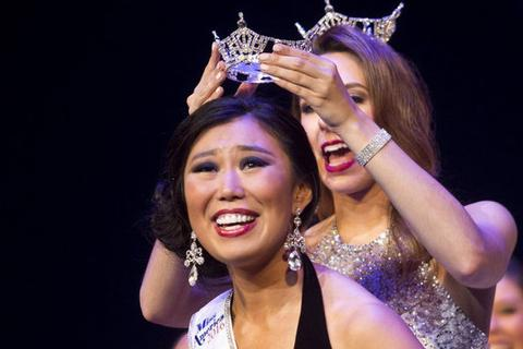 """Hoa hậu bị chê xấu quyết không """"đầu hàng"""" dư luận"""