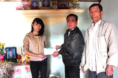 Hơn 40 triệu đồng đến với cô bé mồ côi cả cha lẫn mẹ