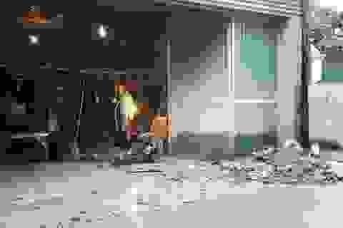 Nghệ An: Váng vất bên cơ sở cưa xẻ đá gây ô nhiễm môi trường