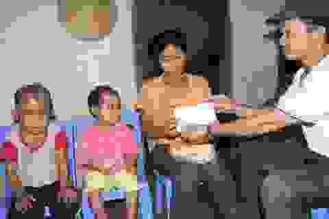 Hội đồng hương Nghi Lộc ủng hộ hai bé xin được làm người bình thường