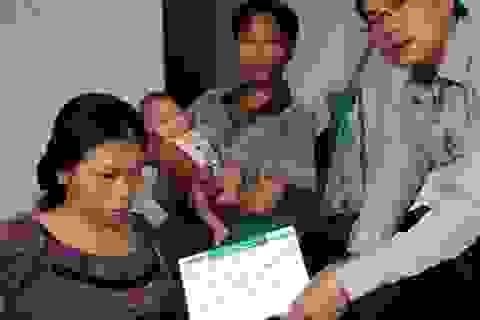 Gần 10 triệu đồng đến với hai hoàn cảnh làng Quỳnh