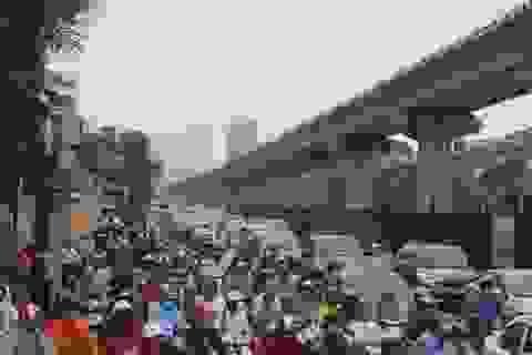 Hà Nội: Lại ùn tắc kinh hoàng ở phía Tây Nam