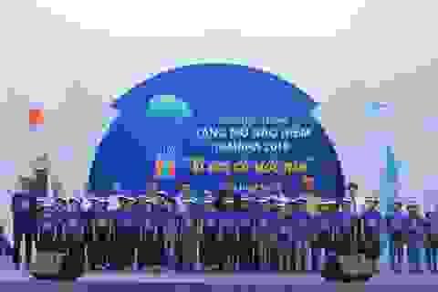 Trao tặng hơn 10.000 mũ bảo hiểm cho học sinh tiểu học