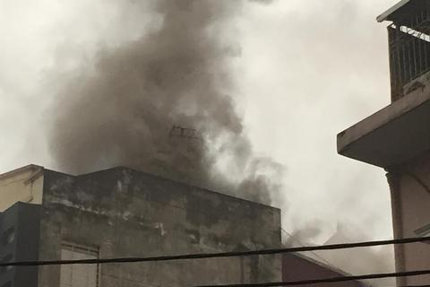 Hà Nội: Cháy quán karaoke, nhân viên vội vã tháo chạy