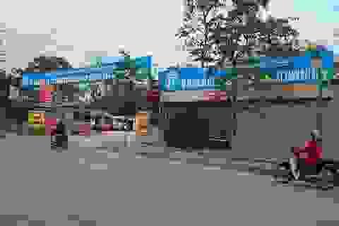"""Hà Nội: Bãi xe vi phạm """"khủng"""" ven sông Tô Lịch sắp bị dỡ bỏ"""
