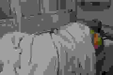 Hà Nội: CSGT bị xe tải kéo lê chịu nhiều chấn thương