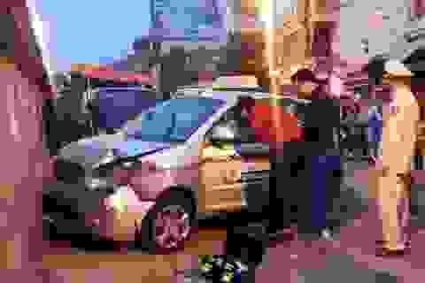 Vụ taxi đâm 2 bà cháu: Nhân viên trông xe tự ý lái xe gây tai nạn?
